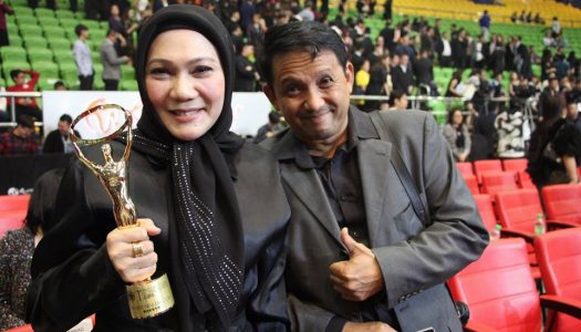 """BRADLEY LIEW'S 'SINGING IN GRAVEYARDS"""" WINS BEST PICTURE AT  MALAYSIA GOLDEN GLOBAL AWARDS (MGGA)"""